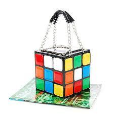 El bolso «cubo de Rubik» de Christina Aguilera